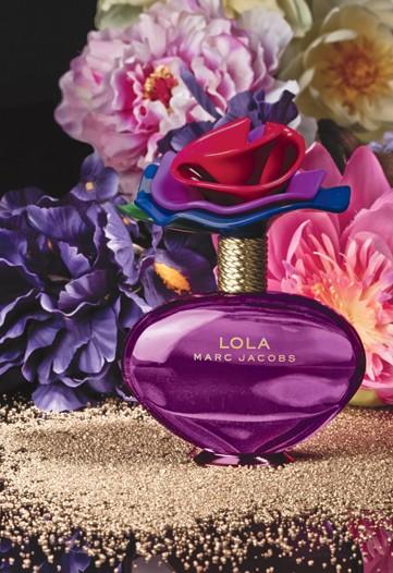 تشكيلة عطور 2011 Marc-jacobs-lola-perfume3
